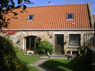 Lovely Cottage with Internet Access and Satellite Or Cable TV - Bathgate vacation rentals