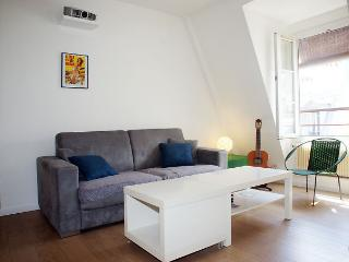 Romantic House with Internet Access and Dishwasher - Paris vacation rentals