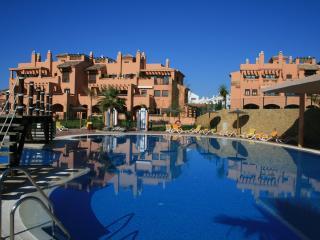 Nice 2 bedroom Condo in Estepona with Internet Access - Estepona vacation rentals