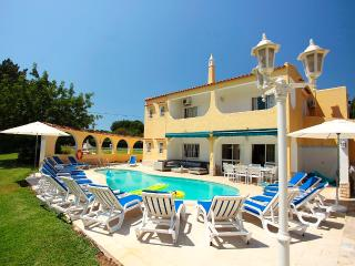 Wonderful Villa with Internet Access and A/C - Vale do Lobo vacation rentals