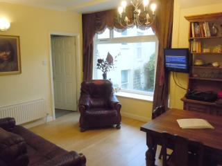 Sunny 2 bedroom Ilfracombe Condo with Internet Access - Ilfracombe vacation rentals