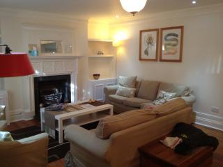 3 Bedroom Apt Central London - London vacation rentals