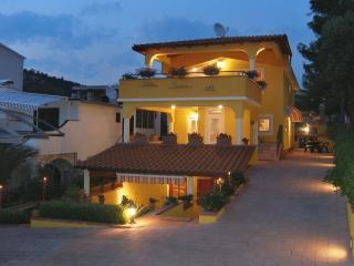 Comfortable 4 bedroom House in Zaboric - Zaboric vacation rentals