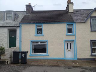 Bright 3 bedroom Drummore House with Microwave - Drummore vacation rentals