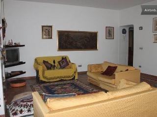 Bright 4 bedroom B&B in Castrovillari with Internet Access - Castrovillari vacation rentals