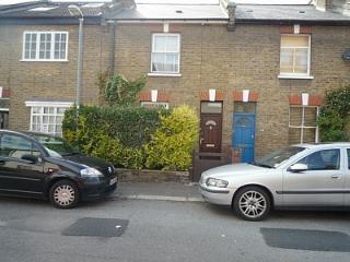 2 Bed Cottage, garden, sleeps 6, London - London vacation rentals