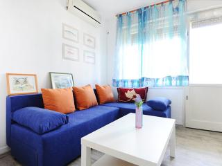 Cozy 1 bedroom Apartment in Split with Internet Access - Split vacation rentals