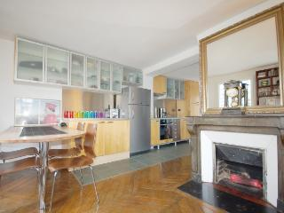 Charming House with Internet Access and Satellite Or Cable TV - Paris vacation rentals