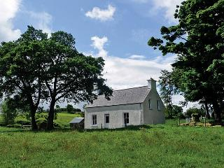 Charming 3 bedroom Farmhouse Barn in Ramelton with Television - Ramelton vacation rentals