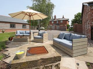Nice 2 bedroom Cottage in Preston - Preston vacation rentals