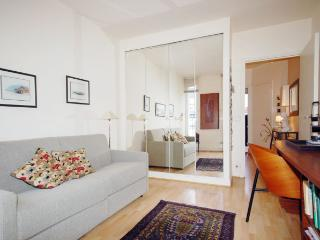 Charming Paris House rental with Internet Access - Paris vacation rentals