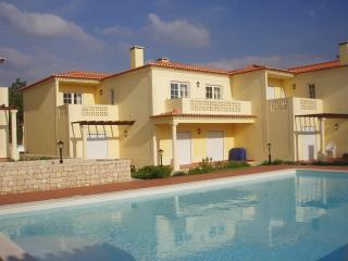 Beautiful 2 bedroom Caldas da Rainha Apartment with Tennis Court - Caldas da Rainha vacation rentals