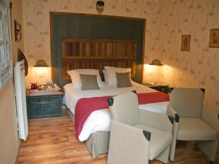 1 bedroom Bed and Breakfast with Internet Access in Saint-Quentin - Saint-Quentin vacation rentals