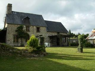 Wonderful Farmhouse Barn with Television and DVD Player - Torigni-sur-Vire vacation rentals