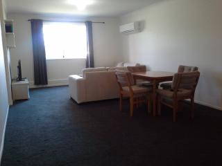 fully furnished Accommodation - North Canberra - Canberra vacation rentals