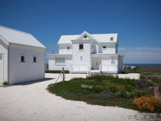 Bright 3 bedroom Vacation Rental in Sea Point - Sea Point vacation rentals