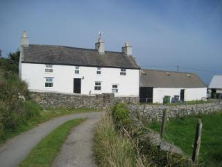Charming 3 bedroom Farmhouse Barn in Amlwch - Amlwch vacation rentals