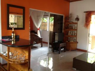 Lovely 2 bedroom Villa in Victoria - Victoria vacation rentals