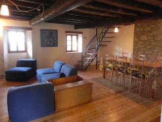 2 bedroom House with Mountain Views in Pavia - Pavia vacation rentals