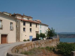 Beautiful 3 bedroom Clermont L'herault House with Washing Machine - Clermont L'herault vacation rentals