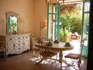 Perrissol Gorgeous 3 Bedroom Flat with a Garden and Balcony - Cannes vacation rentals