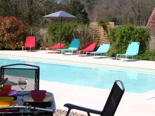 Stone farmhouse near Domme. Private pool, WiFi. - Domme vacation rentals