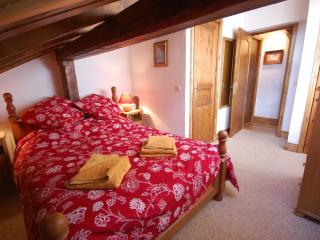 Apartment 5 Chalet Piton. Meribel. - Meribel vacation rentals