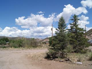 Rio Grande Rafting and Area Skiing with Quiet Seclusion (Rinconanda/Embudo/Dixon NM) - Dixon vacation rentals