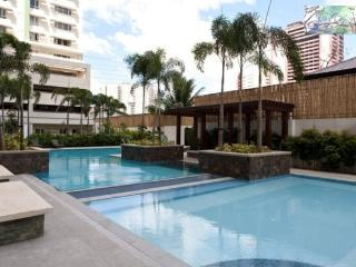CHEAPEST* Spacious Safe 1-Bedroom Condo! +wifi,a/c - Makati vacation rentals