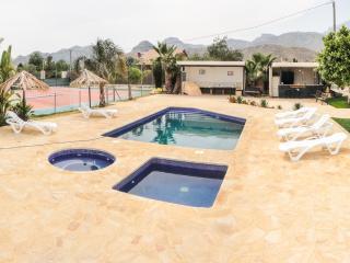 NEW VIDEO TOUR - Luxury Chalet For 9 - TENNIS, GYM - Mutxamel vacation rentals