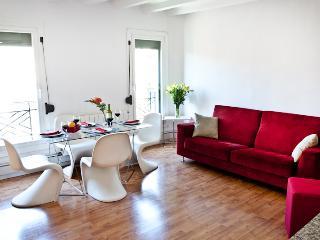 Eixample Comfort Apartment - Rome vacation rentals