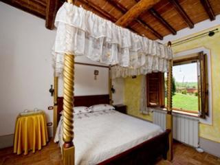 Lovely 3 bedroom Bagno Vignoni Apartment with A/C - Bagno Vignoni vacation rentals