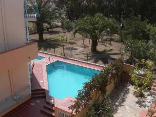 VILLA EUROTOP N.14, Nice apartment with pool - Cala Liberotto vacation rentals