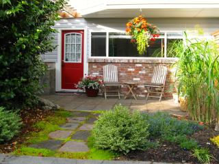 Private,Self-Catered 1 Bedoorm Apt w full kitchen - Nanaimo vacation rentals