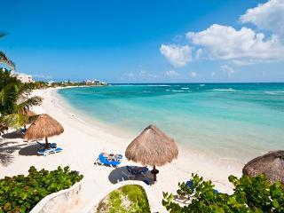 Well appointed beachfront condo with 2 bedrooms and 2 bathrooms. - Akumal vacation rentals