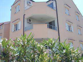 APARTMENT SUZANA - ZAMBRATIJA - Zambratija vacation rentals