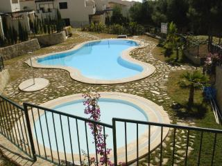 Casa Cortina, lovely house with private garden - Benidorm vacation rentals