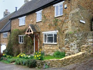 Lovely House with Internet Access and Satellite Or Cable TV - Hook Norton vacation rentals