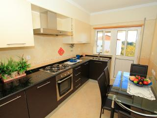 Nice House with Dishwasher and Parking Space - Vila Real de Santo Antonio vacation rentals