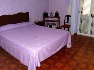 Casa Vacanza a Capo d'Orlando - Sicilia - Capo D'orlando vacation rentals