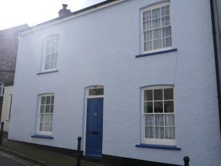 2 bedroom Cottage with Internet Access in Totnes - Totnes vacation rentals