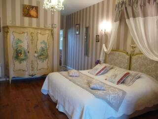 3 bedroom Private room with Internet Access in Antrain - Antrain vacation rentals