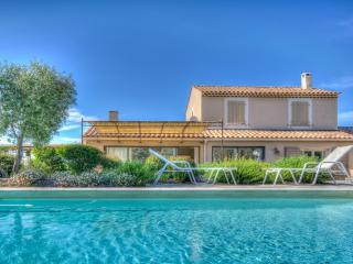 Vue Alpilles Villa in Provence for rent, holiday mas to let in Provence - Eygalieres vacation rentals