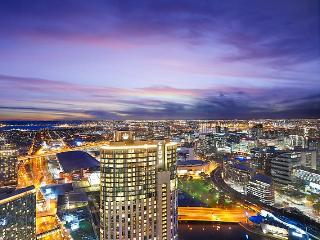 Platinum Sub-Penthouse - Heart of Melbourne - Melbourne vacation rentals