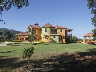 Millbrook Villa, Springfarm, 14BR - Ironshore vacation rentals