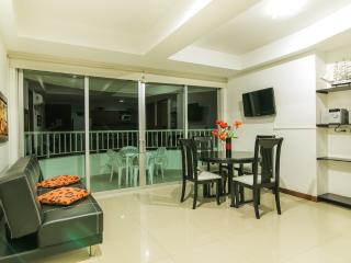 2 Bedroom Apartment with Balcony in Bocagrande - Cartagena vacation rentals