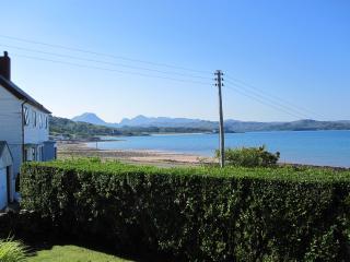 Bright Bungalow in Gairloch with Internet Access, sleeps 6 - Gairloch vacation rentals