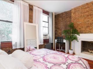 Prime Village~fireplace~exposed Brick~charming 1bed - New York City vacation rentals