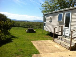 Beautiful Caravan/mobile home with Central Heating and Wireless Internet in Newborough - Newborough vacation rentals