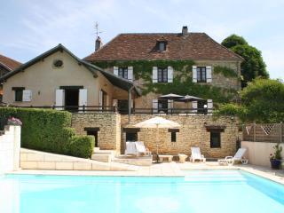 Lovely 5 bedroom Farmhouse Barn in Tourtoirac - Tourtoirac vacation rentals